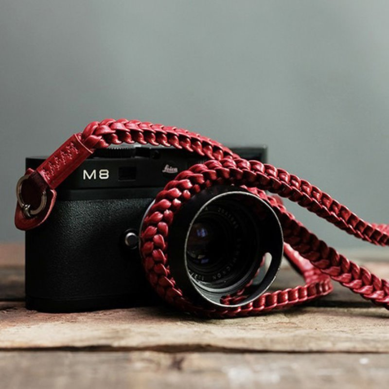 [Barton1972] Leather Neck Strap Braided - Passion Red